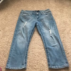 VIP light washed cropped jeans